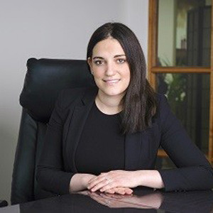 Veronica Vallelonga, Lawyer